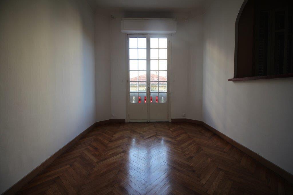Appartement à louer 2 40.6m2 à Nice vignette-2