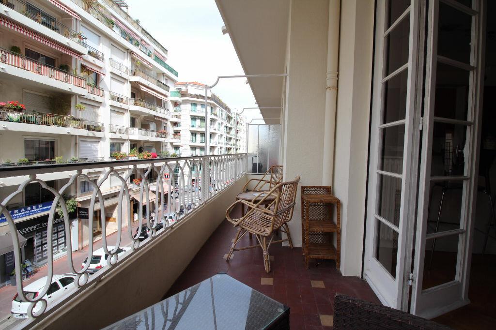 Appartement à louer 3 85m2 à Nice vignette-3