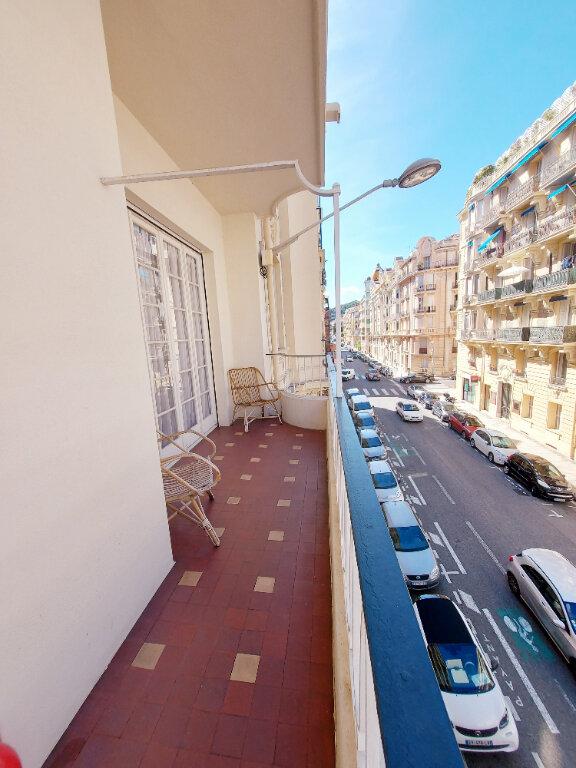 Appartement à louer 3 85m2 à Nice vignette-5
