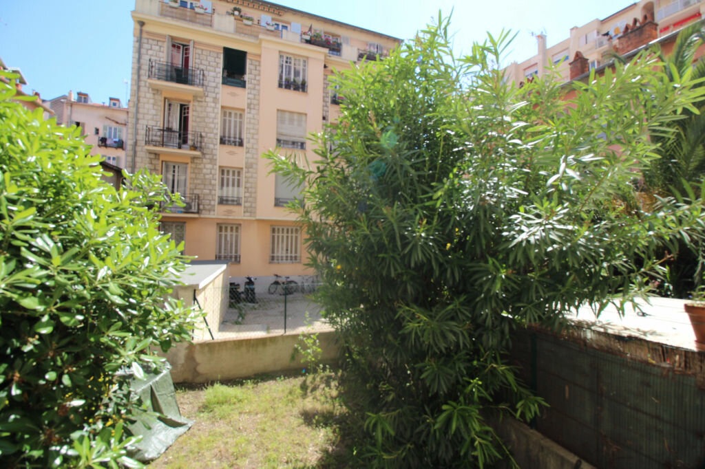Appartement à louer 1 37m2 à Nice vignette-1