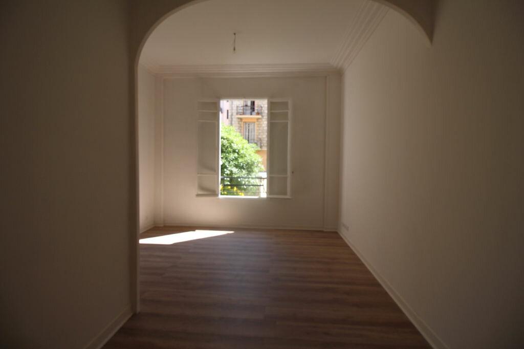 Appartement à louer 1 37m2 à Nice vignette-3