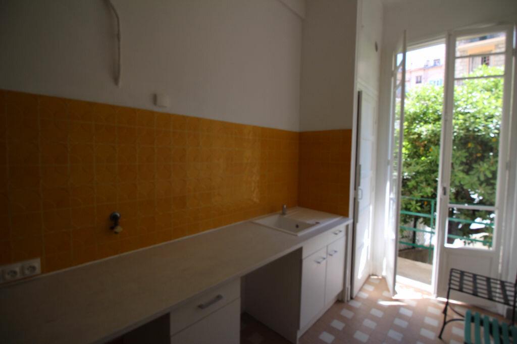 Appartement à louer 1 37m2 à Nice vignette-5
