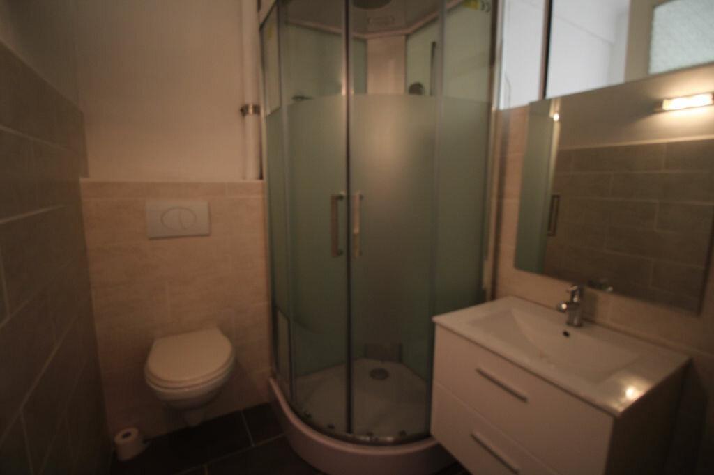 Appartement à louer 1 37m2 à Nice vignette-6