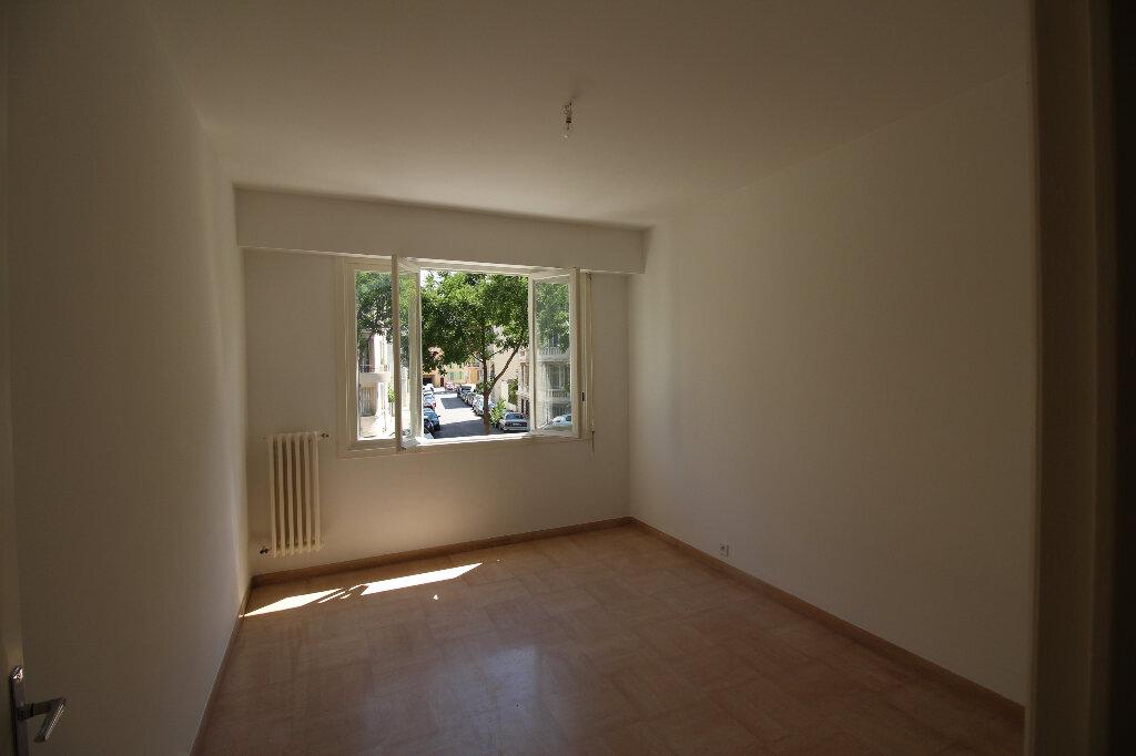 Appartement à louer 2 54m2 à Nice vignette-2