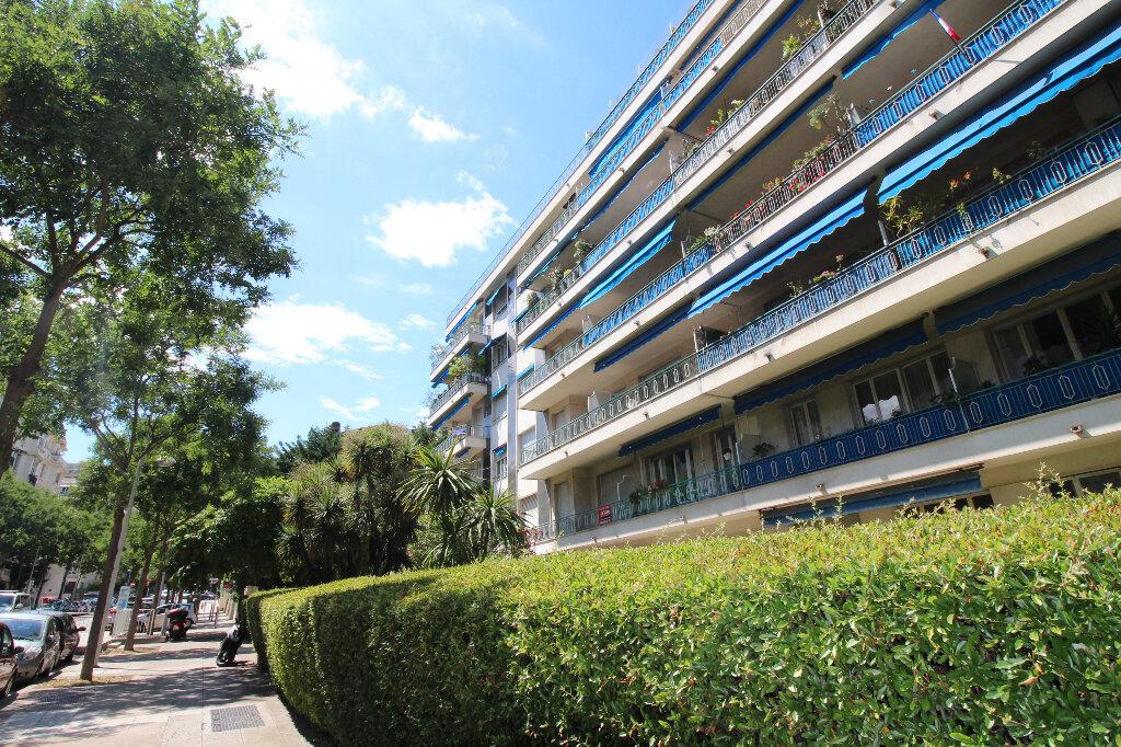Appartement à louer 2 54m2 à Nice vignette-7