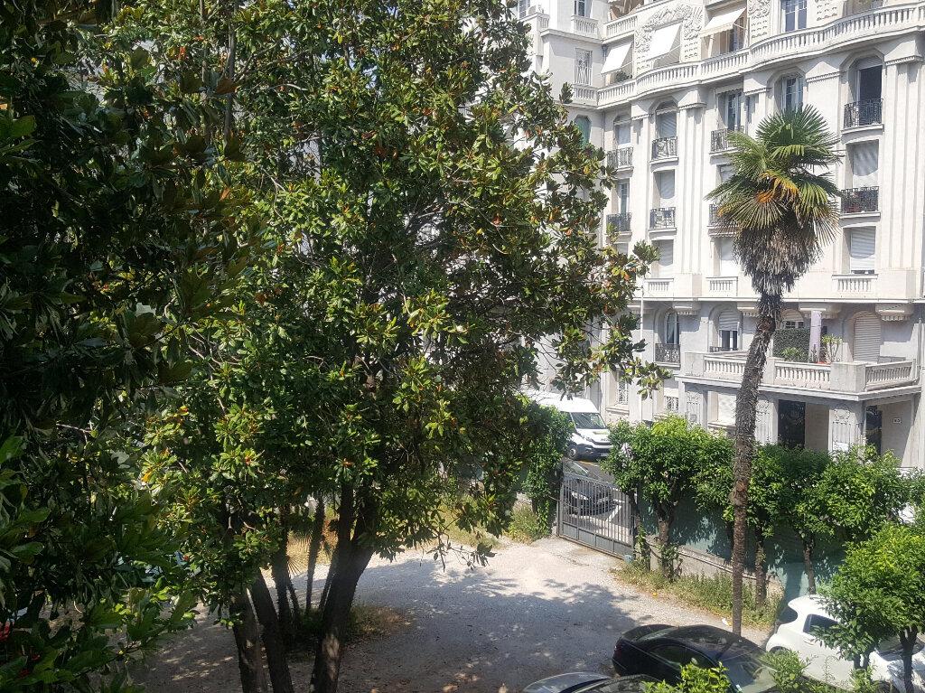 Appartement à louer 3 73m2 à Nice vignette-1