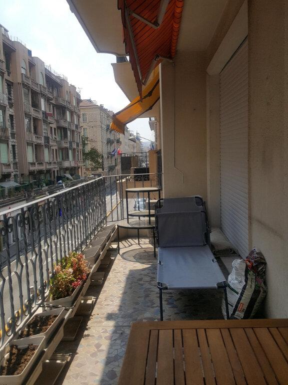 Appartement à louer 3 73m2 à Nice vignette-2