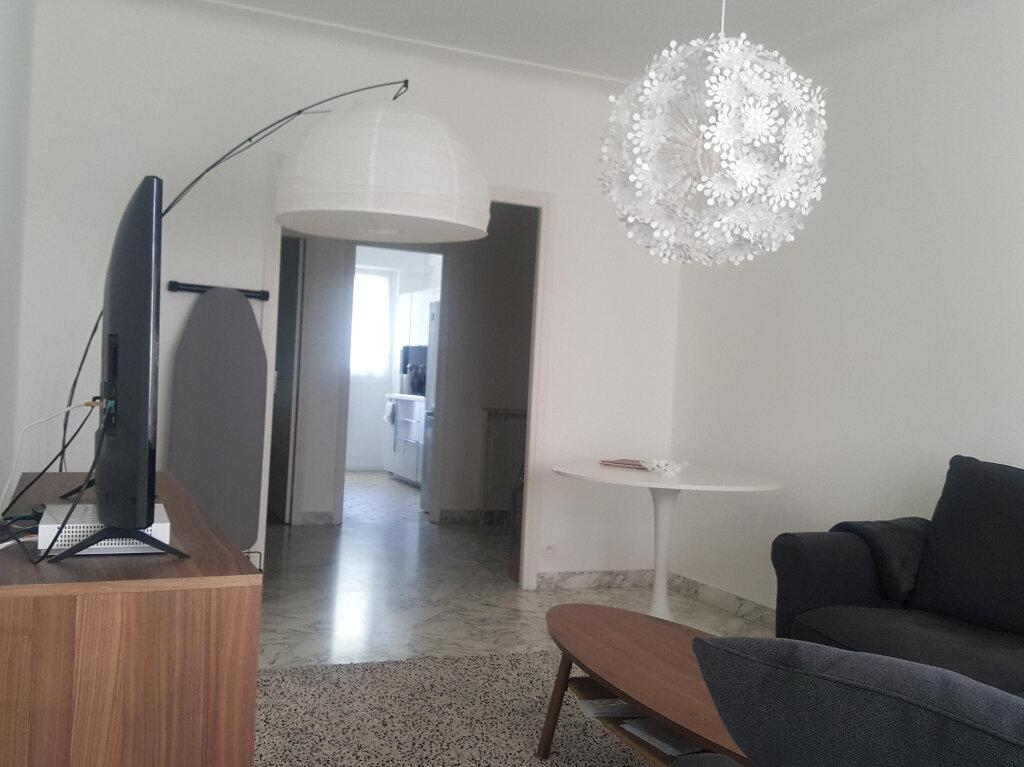 Appartement à louer 3 73m2 à Nice vignette-3