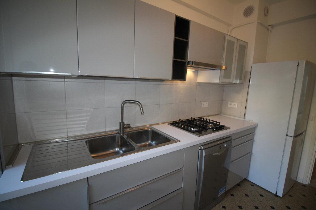 Appartement à louer 3 73m2 à Nice vignette-8