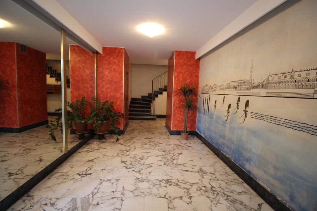 Appartement à louer 3 73m2 à Nice vignette-11