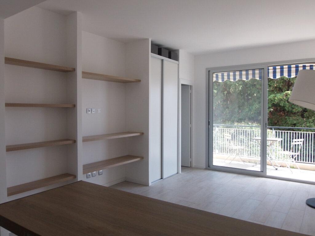 Appartement à louer 1 26.36m2 à Nice vignette-5