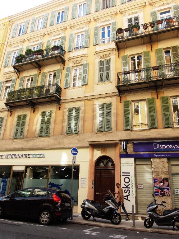 Appartement à louer 3 64m2 à Nice vignette-6