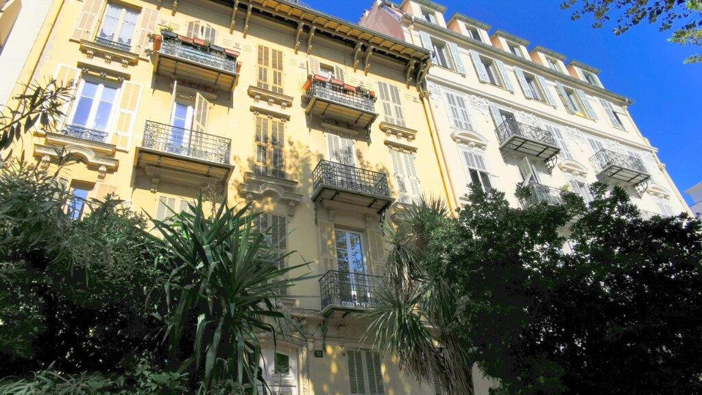 Appartement à vendre 3 50m2 à Nice vignette-2