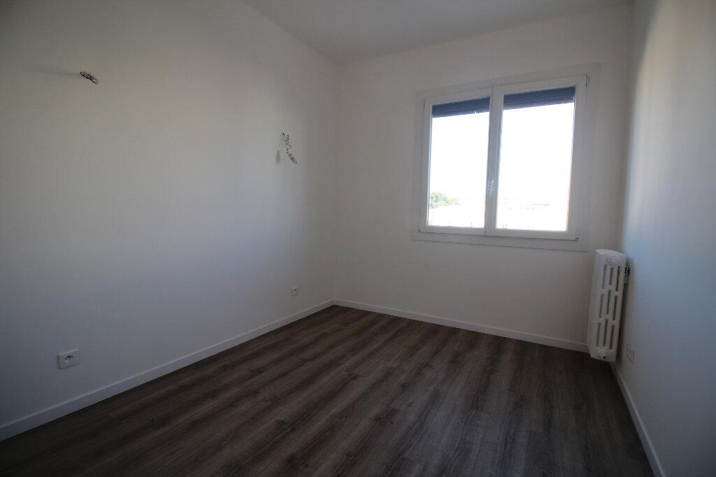 Appartement à louer 2 37m2 à Nice vignette-4