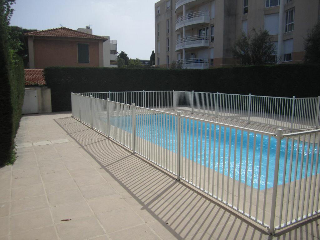 Appartement à louer 1 27m2 à Cagnes-sur-Mer vignette-6