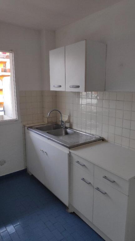 Appartement à louer 1 25m2 à Cagnes-sur-Mer vignette-2