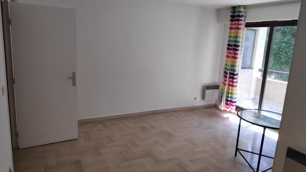 Appartement à louer 1 32m2 à Cagnes-sur-Mer vignette-1