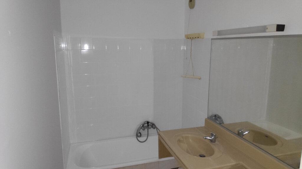 Appartement à louer 1 32m2 à Cagnes-sur-Mer vignette-5