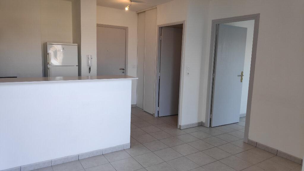 Appartement à louer 2 32m2 à Nice vignette-1