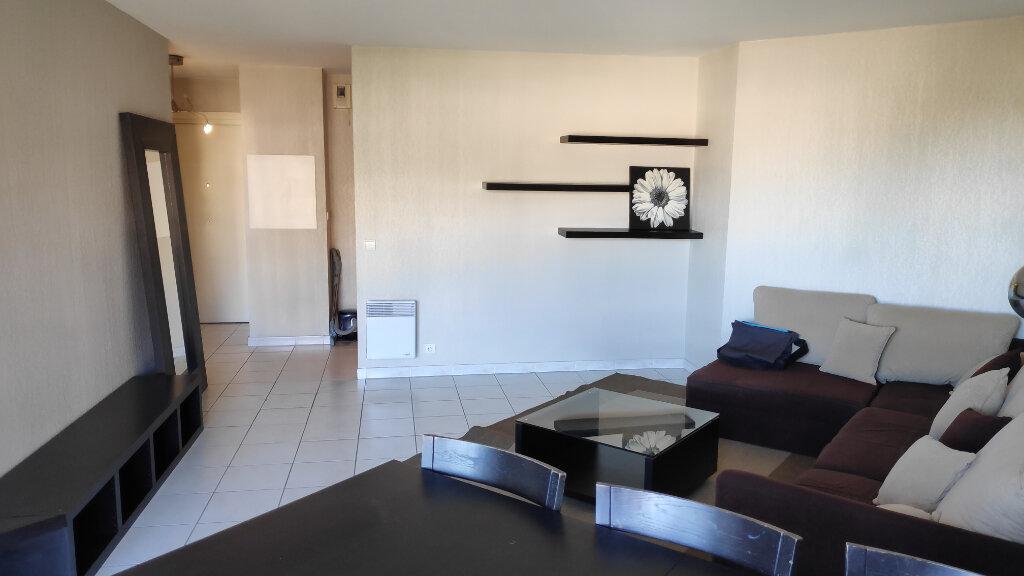 Appartement à louer 2 45m2 à Nice vignette-3