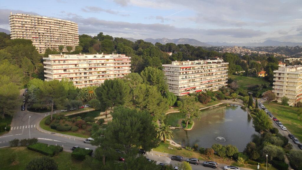 Appartement à louer 3 74m2 à Villeneuve-Loubet vignette-1