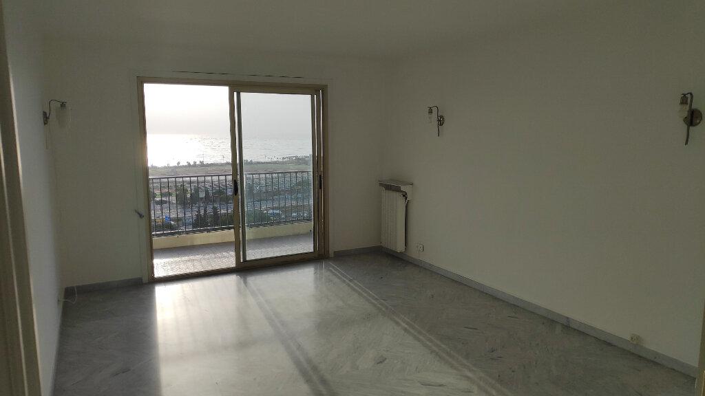 Appartement à louer 3 74m2 à Villeneuve-Loubet vignette-2