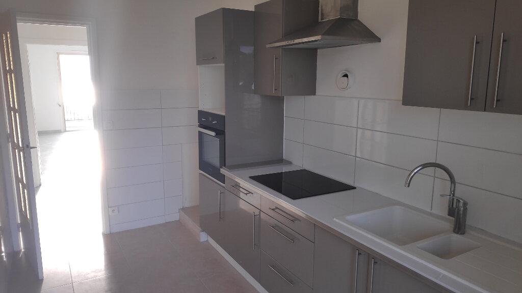 Appartement à louer 3 74m2 à Villeneuve-Loubet vignette-6