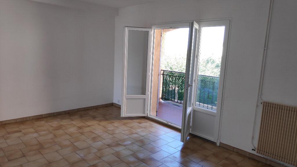 Appartement à louer 3 61m2 à Cagnes-sur-Mer vignette-2