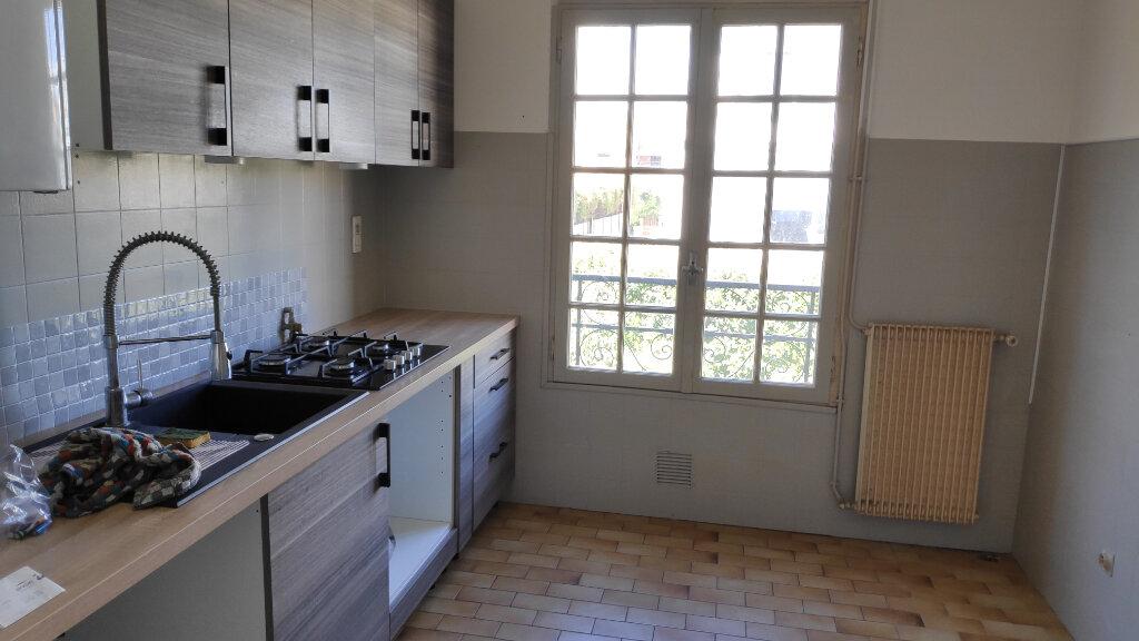 Appartement à louer 3 61m2 à Cagnes-sur-Mer vignette-3