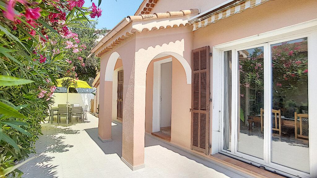 Maison à vendre 4 99.5m2 à Cagnes-sur-Mer vignette-4