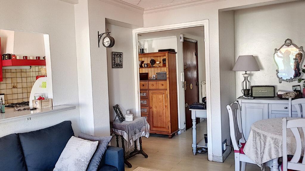Appartement à vendre 3 61.06m2 à Cagnes-sur-Mer vignette-1