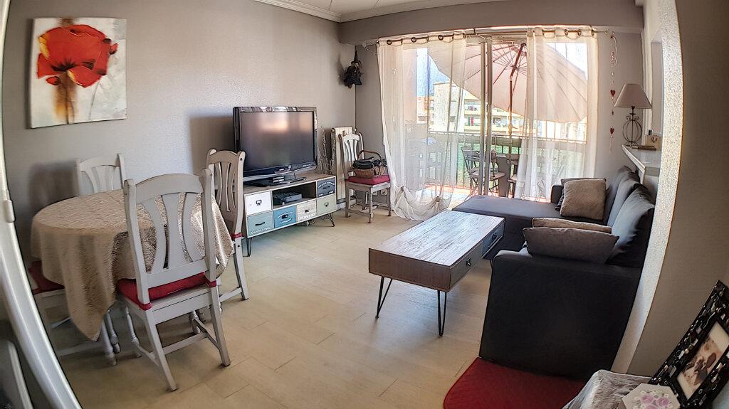 Appartement à vendre 3 61.06m2 à Cagnes-sur-Mer vignette-2