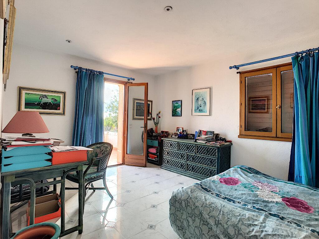 Maison à vendre 6 190m2 à Cagnes-sur-Mer vignette-7