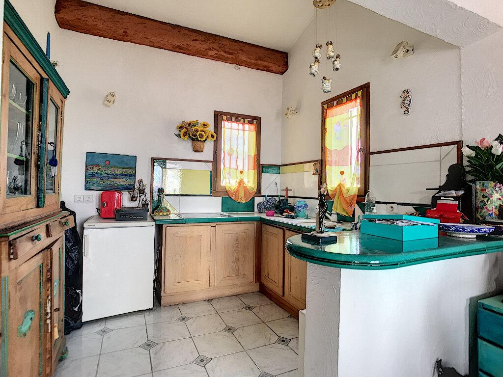 Maison à vendre 6 190m2 à Cagnes-sur-Mer vignette-11