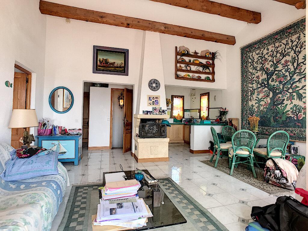 Maison à vendre 6 190m2 à Cagnes-sur-Mer vignette-13
