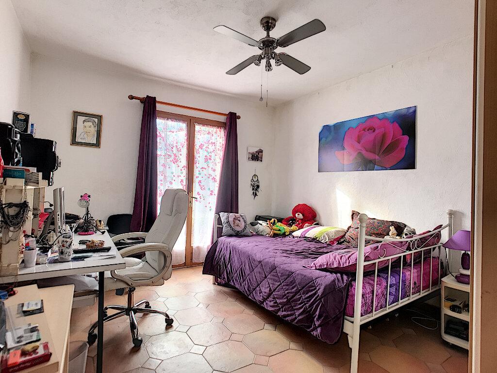 Maison à vendre 6 190m2 à Cagnes-sur-Mer vignette-14