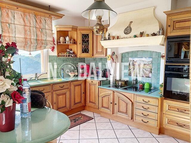 Appartement à vendre 4 109m2 à Fréjus vignette-2