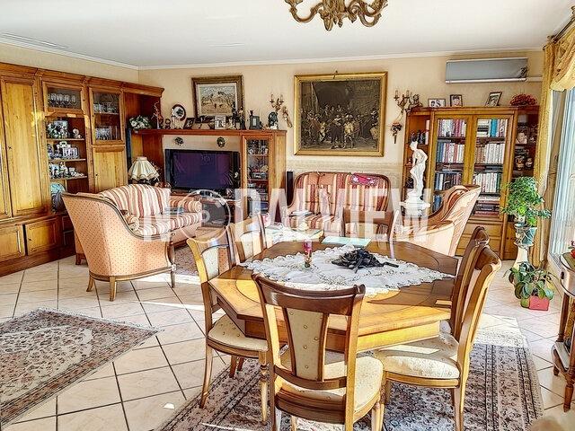Appartement à vendre 4 109m2 à Fréjus vignette-4