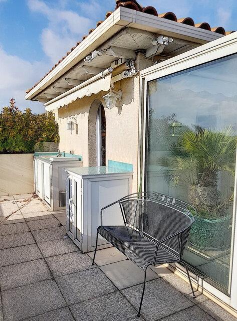 Appartement à vendre 4 109m2 à Fréjus vignette-11