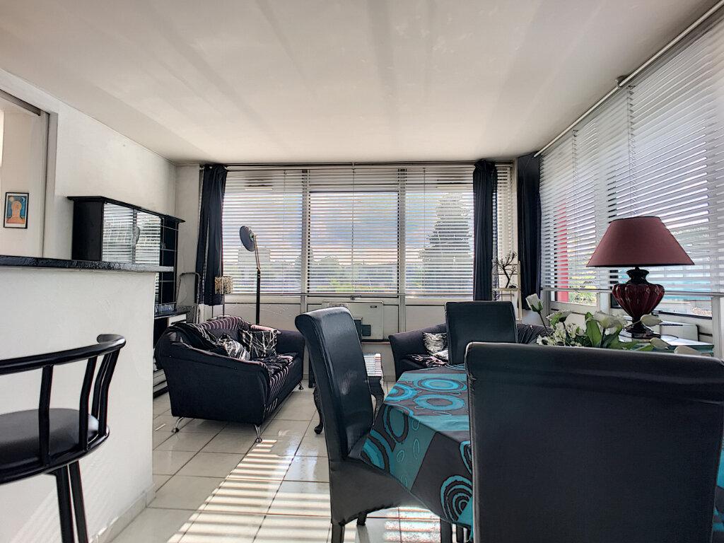 Appartement à vendre 2 57m2 à Cagnes-sur-Mer vignette-1