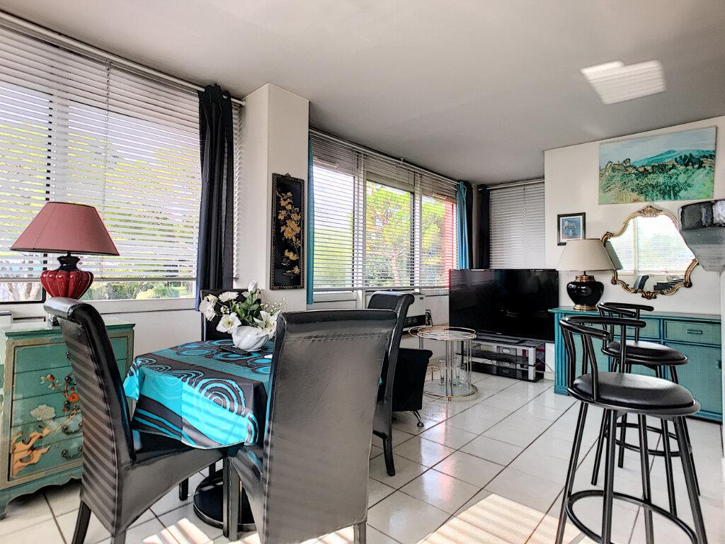 Appartement à vendre 2 57m2 à Cagnes-sur-Mer vignette-2