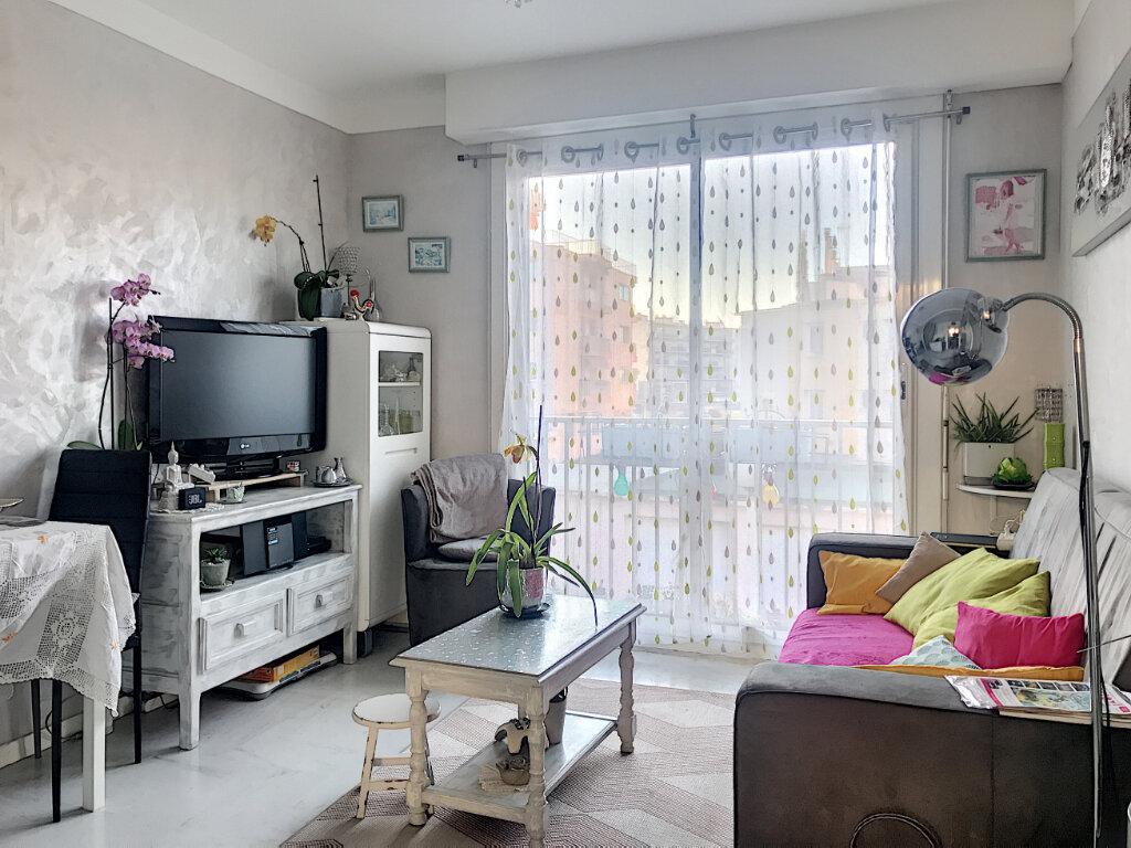 Appartement à vendre 2 43m2 à Cagnes-sur-Mer vignette-1