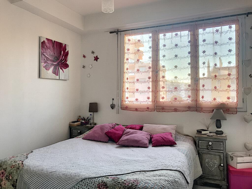 Appartement à vendre 2 43m2 à Cagnes-sur-Mer vignette-2