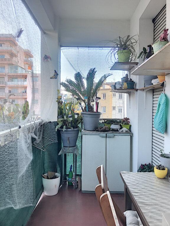 Appartement à vendre 2 43m2 à Cagnes-sur-Mer vignette-3