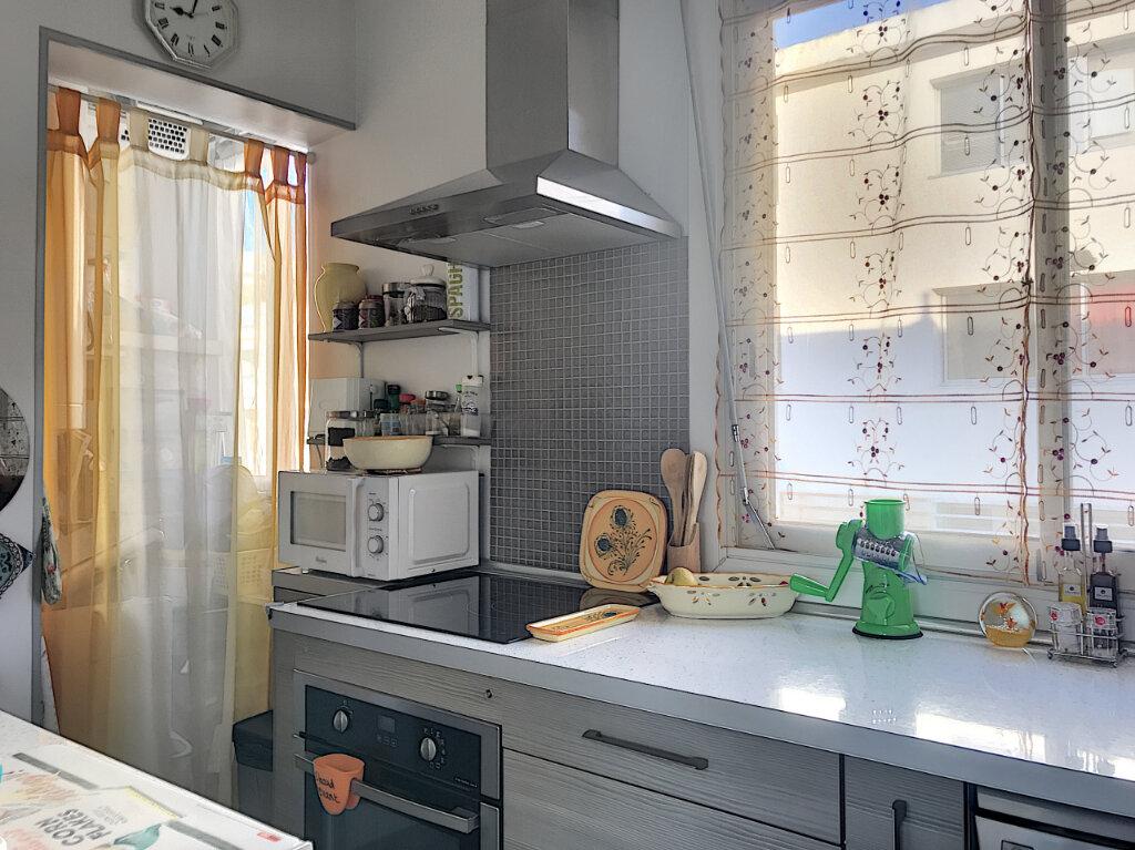 Appartement à vendre 2 43m2 à Cagnes-sur-Mer vignette-4