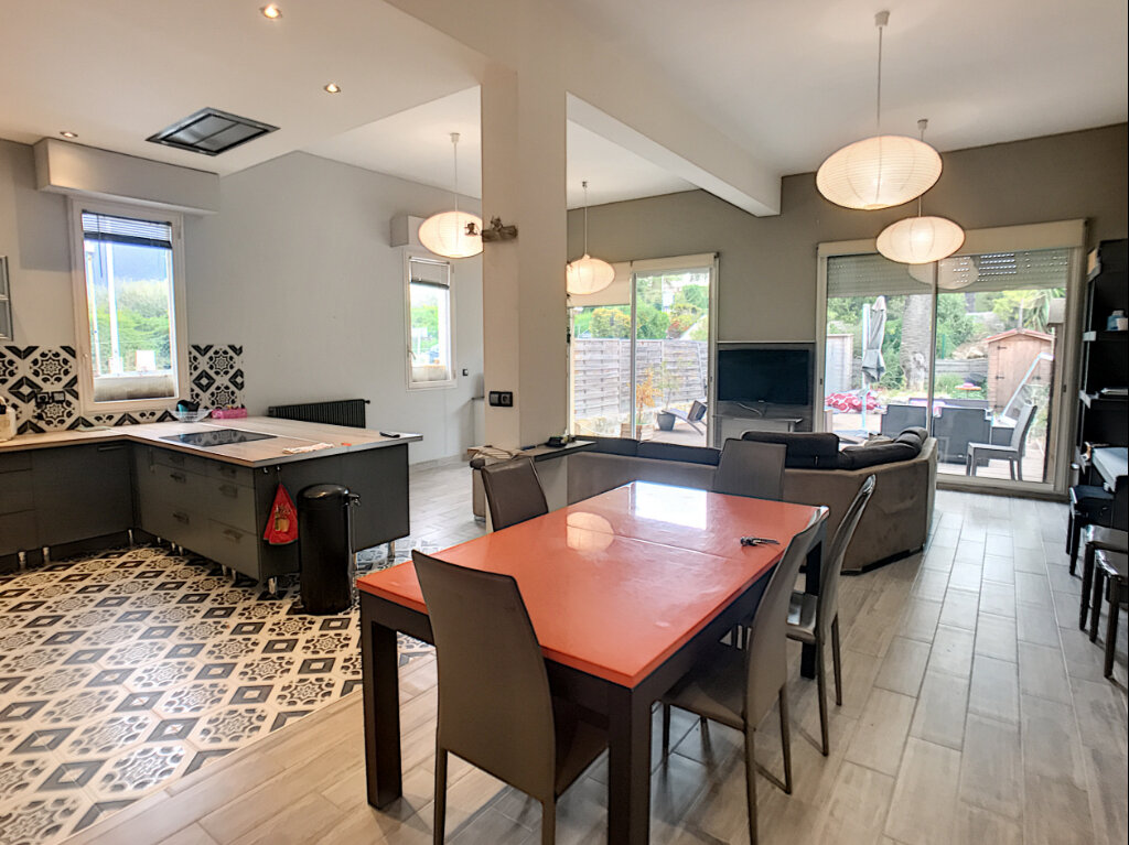Appartement à vendre 3 114m2 à Nice vignette-6