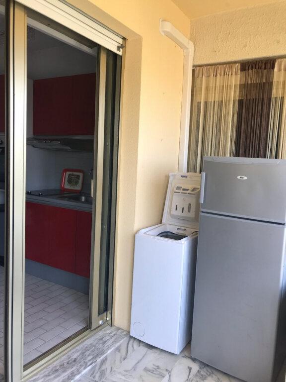 Appartement à louer 1 25m2 à Saint-Laurent-du-Var vignette-6