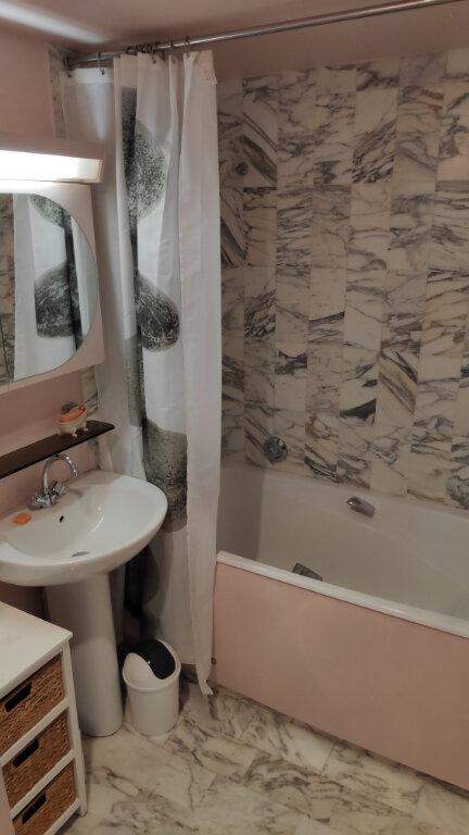 Appartement à louer 1 25m2 à Saint-Laurent-du-Var vignette-7