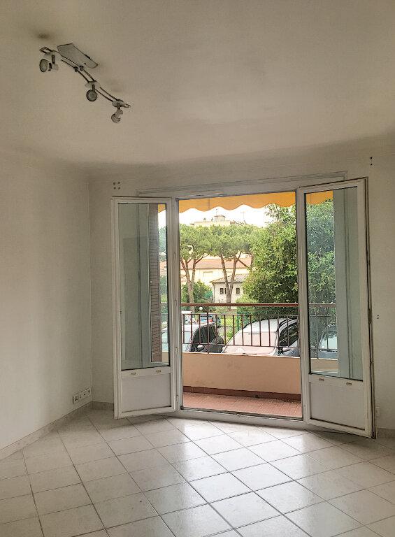 Appartement à vendre 4 66m2 à Cagnes-sur-Mer vignette-1