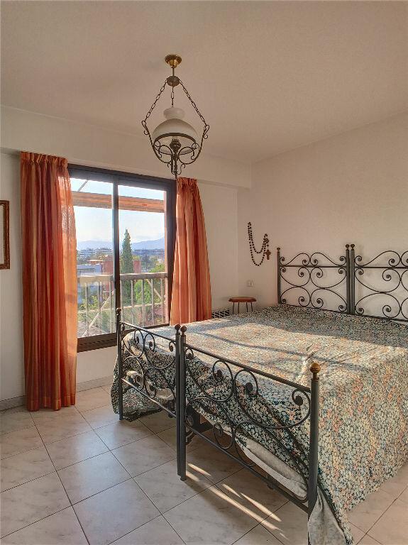 Appartement à vendre 3 73m2 à Cagnes-sur-Mer vignette-4
